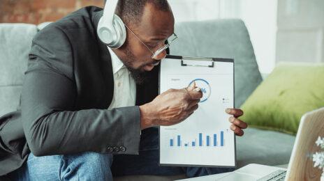 Como construir um relacionamento eficaz de recrutador/gerente de contratação quando você está trabalhando em casa